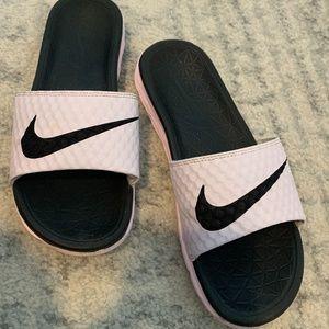 Nike Benassi Solarsoft Pink Sandal Slides Sz 7